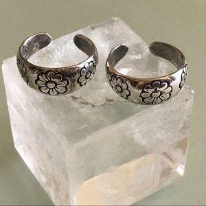 Two Daisy Flower Sterling Silver Toe Rings